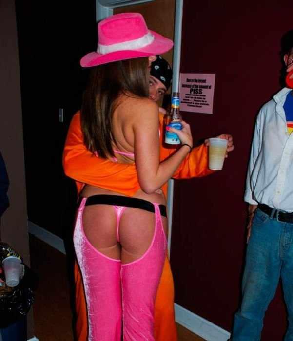 Девушки отметили Хеллоуин (51 фото)