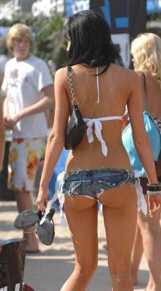Девушки в откровенной одежде (62 фото)