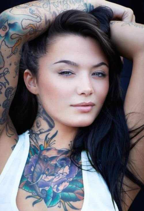 Девушки в татуировках (43 фото)