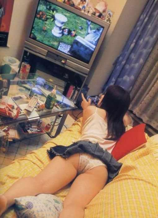 Девушки-геймерши (33 фото)