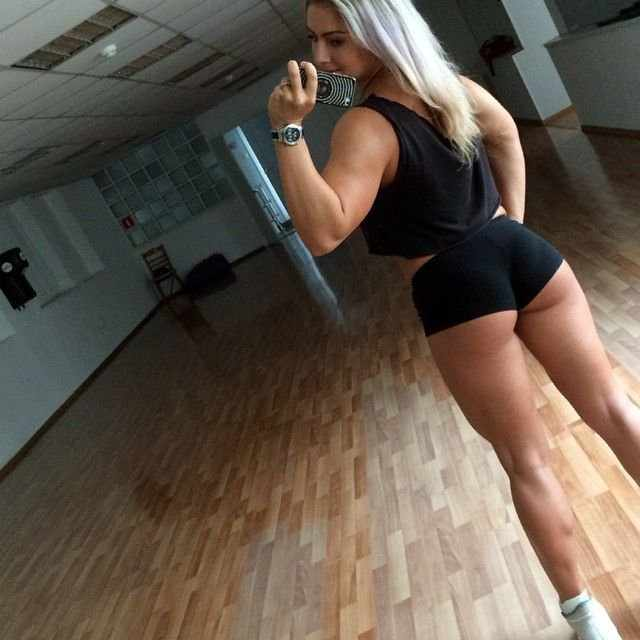 Девушки-спортсменки (18 фото)