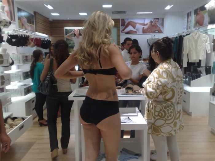 Магазин женской одежды в Бразилии (3 фото)