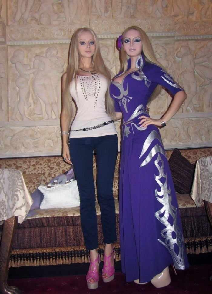 Новая подруга Валерии Лукьяновой (13 фото)