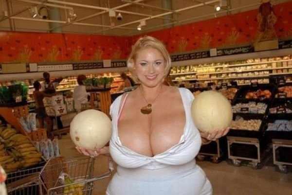 Очень большая грудь (40 фото)