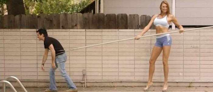 Самая высокая модель в мире (12 фото)