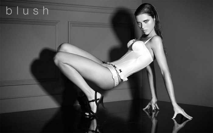 Zoe Duchesne (10 фото)