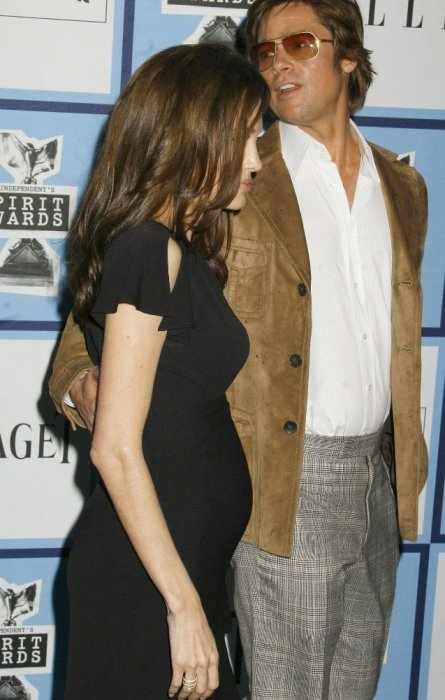 Джоли беременна (3 фото)
