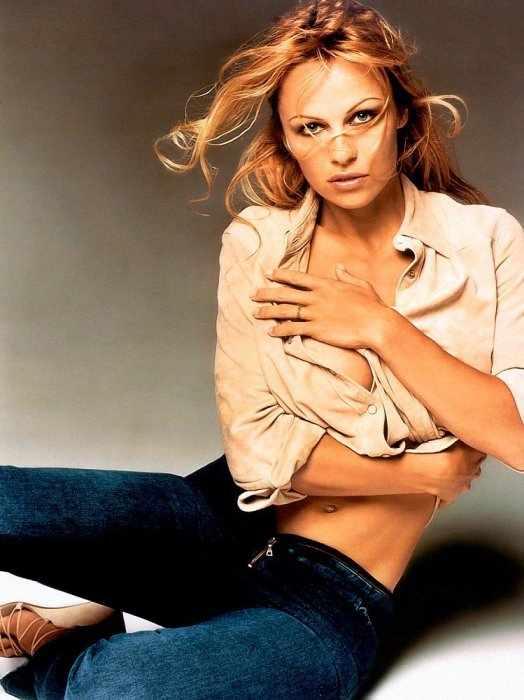 Pamela Anderson (6 фото)