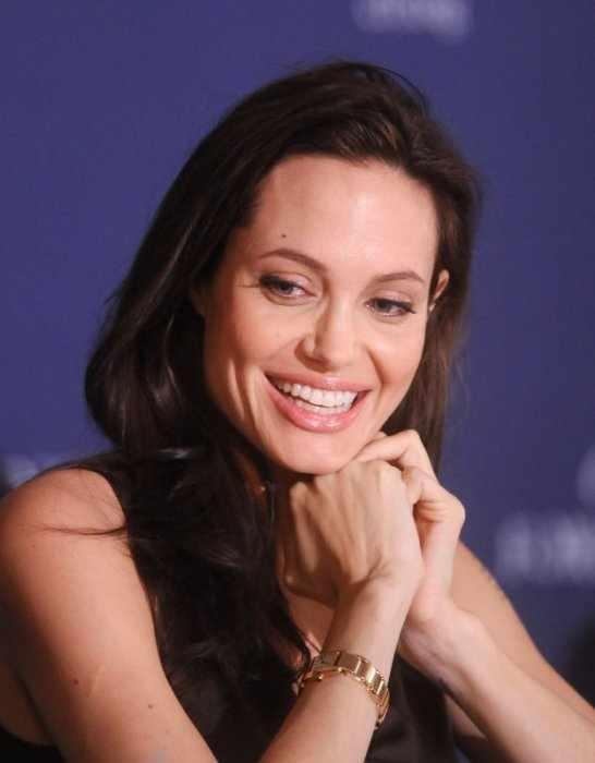 Анджелина Джоли (15 фото)