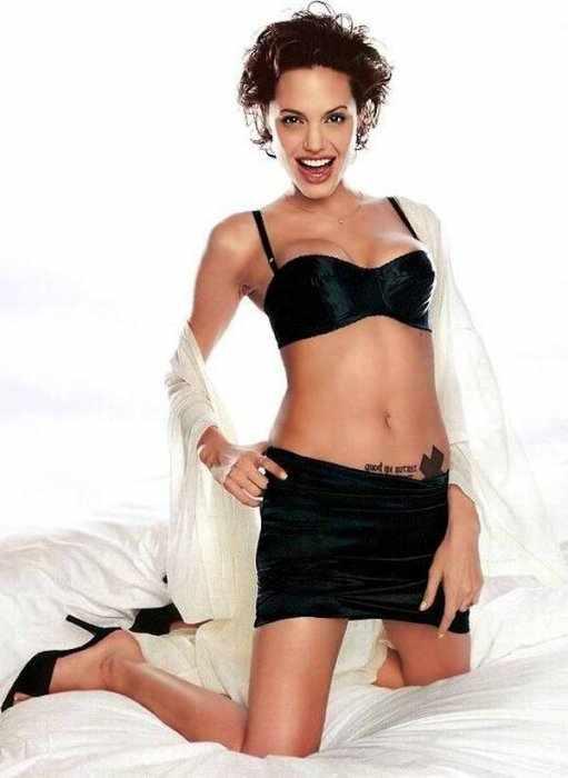 Angelina Jolie (14 фото)
