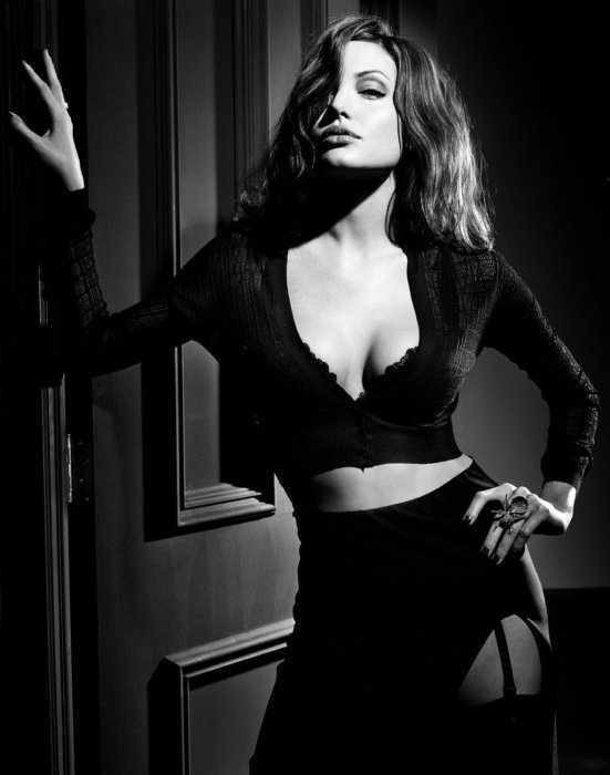 Angelina Jolie (10 фото)