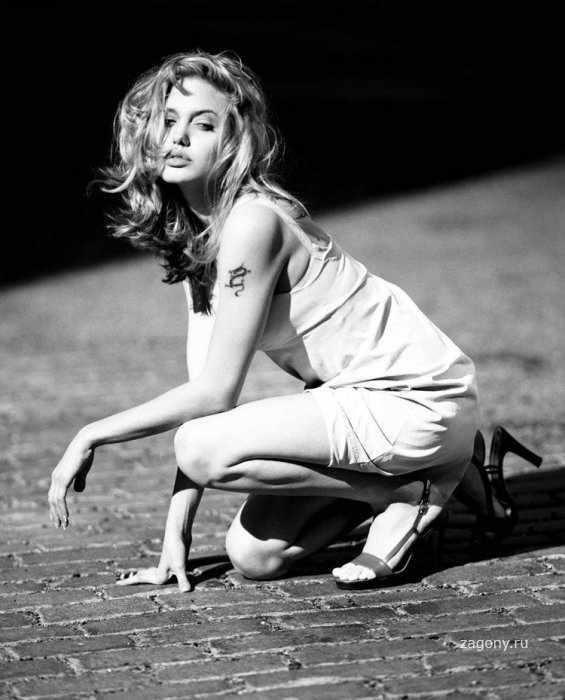Джоли в молодости (15 фото)