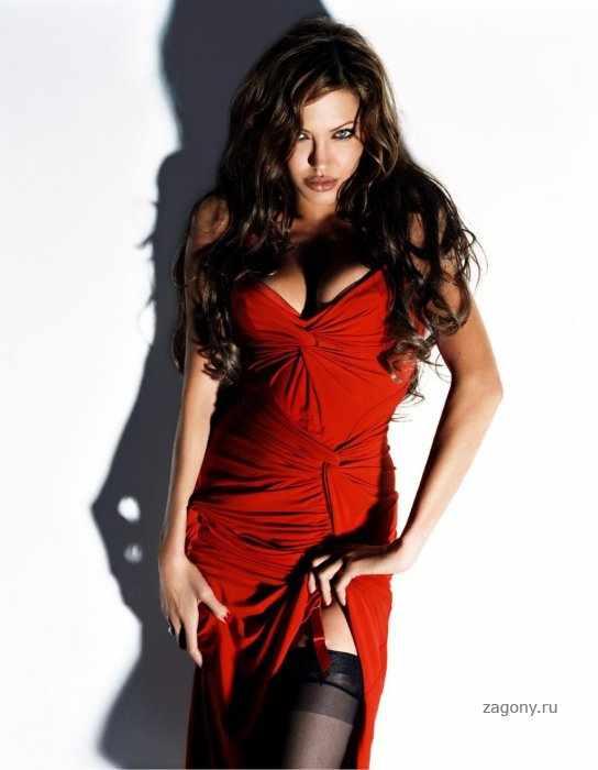Красотка Анжелина (10 фото)
