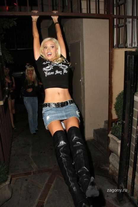 Holly Madison светит труселя (9 фото)