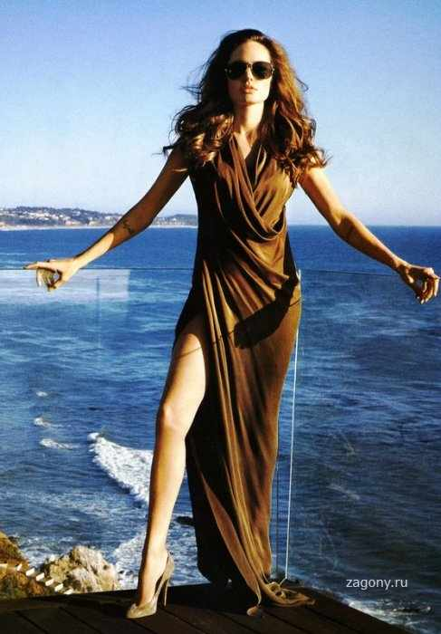 Angelina Jolie (3 фото)