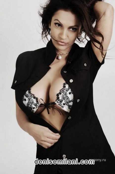 Denise Milani (5 фото)