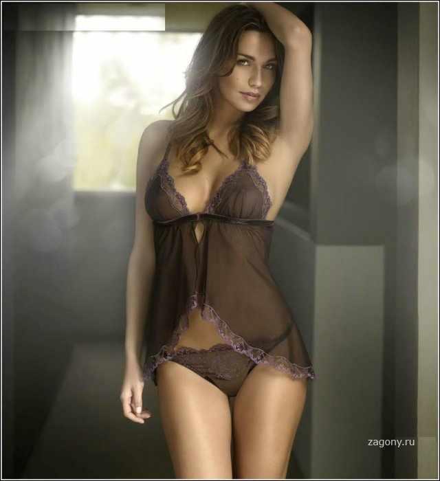 Debora Salvalaggio (10 фото)