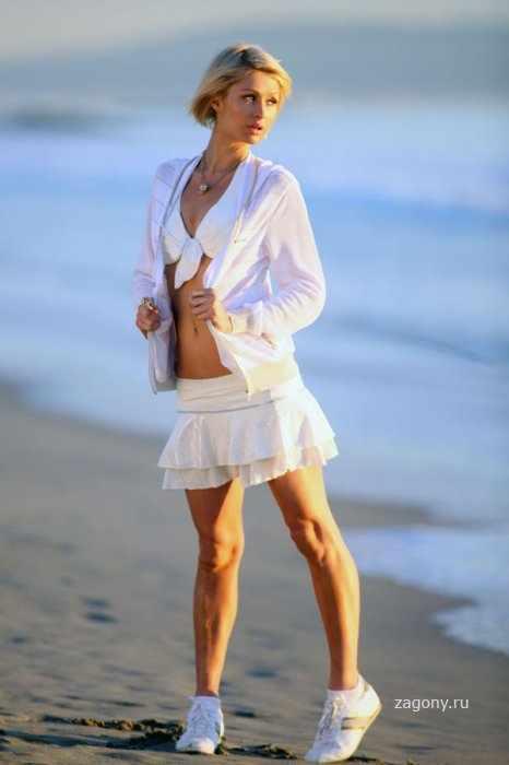 Paris Hilton (9 фото)
