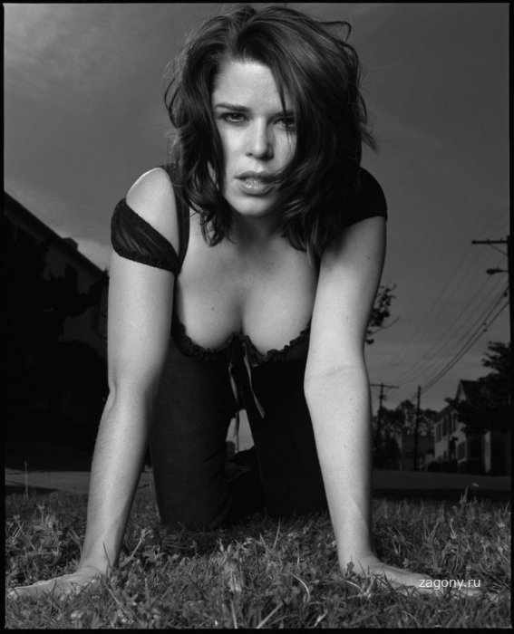 Neve Campbell (9 фото)