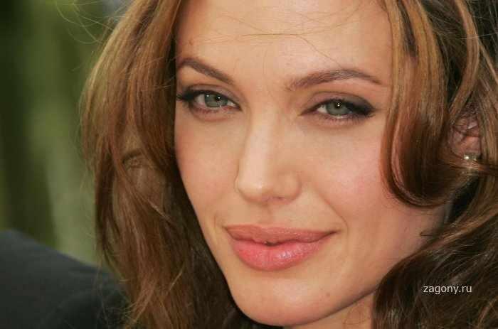 Анджелина Джоли (9 фото)