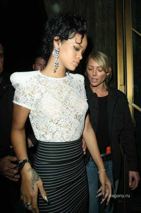 Rihanna (4 фото)