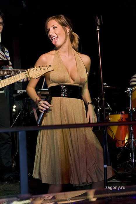 Кэти Топурия (10 фото)