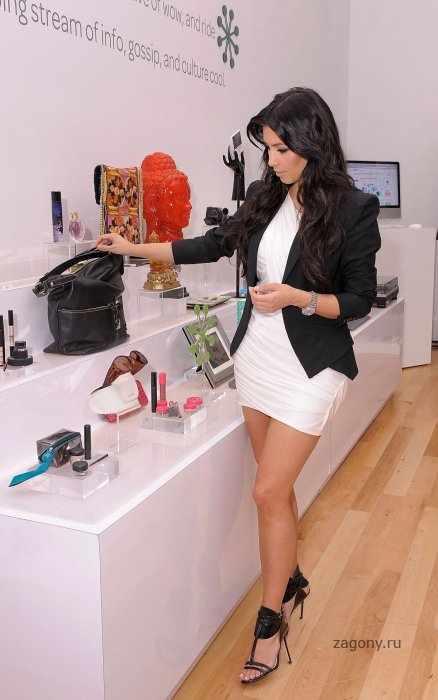 Kim Kardashian (9 фото)