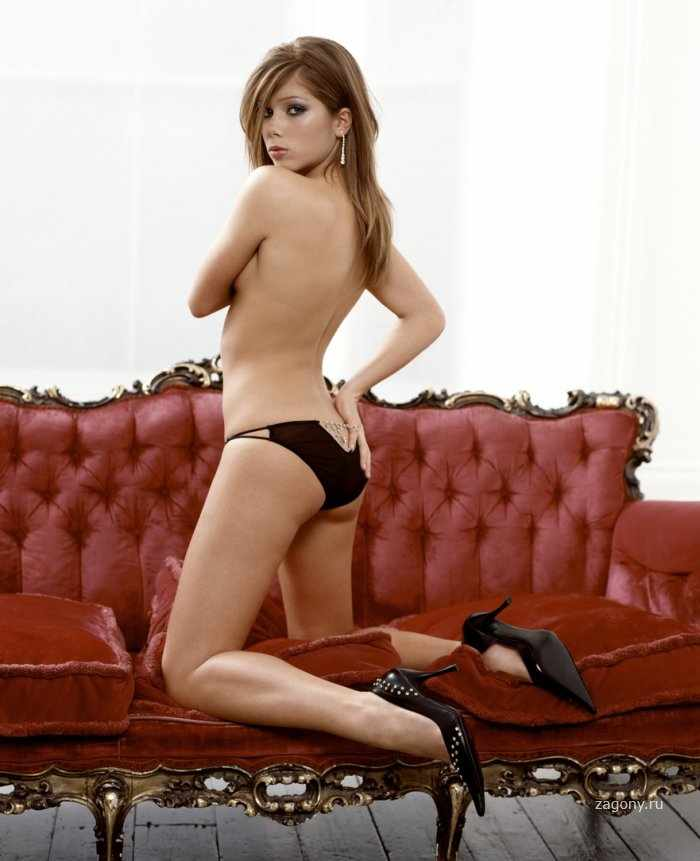 Nikki Sanderson (20 фото)