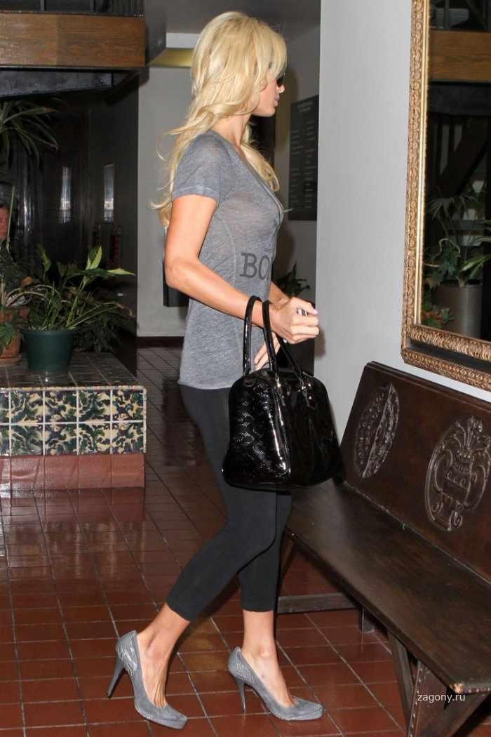Paris Hilton (11 фото)