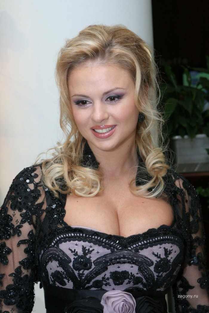 Анечка Семенович (19 фото)