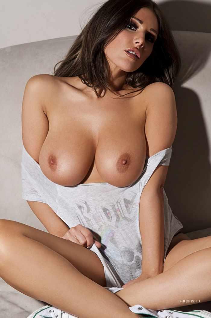 Lucy Pinder (20 фото)