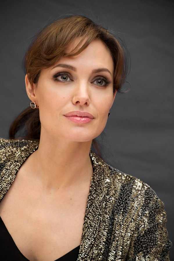 Анджелина Джоли (20 фото)