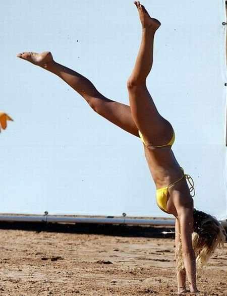 Бруклин Декер - самая красивая женщина по версии Esquire (13 фото)