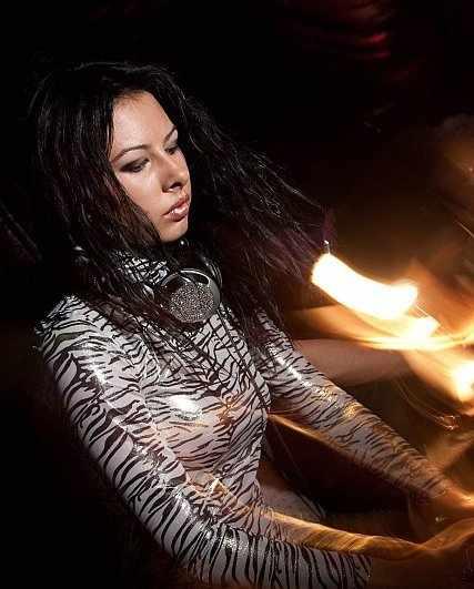 DJ Milana в Киеве (14 фото)