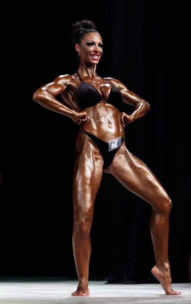 Джоди Марш стала бодибилдершей (20 фото)