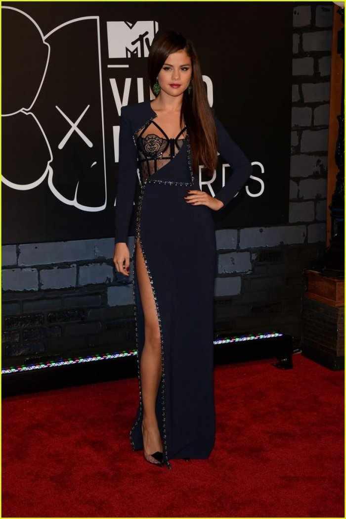 Selena Gomez (12 фото)