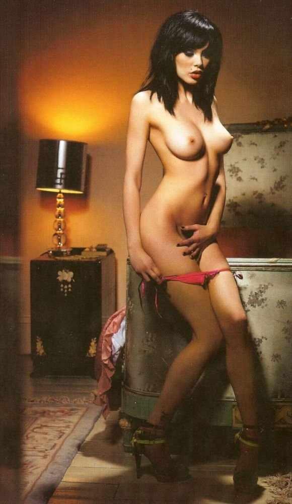 Vikki Blows (8 фото)